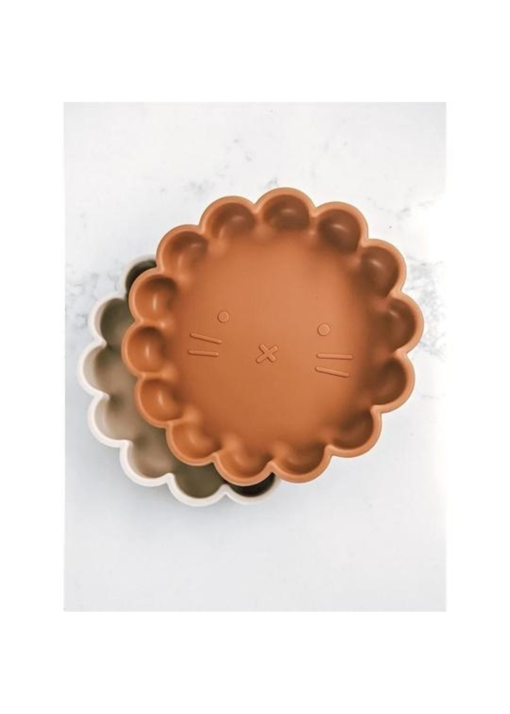 Welly & Bee Assiette  Lion en silicone Terracotta