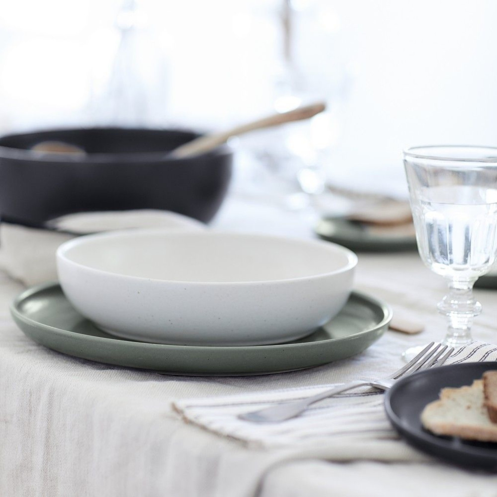 Casafina Pacifica Soup/ Pasta Bowl