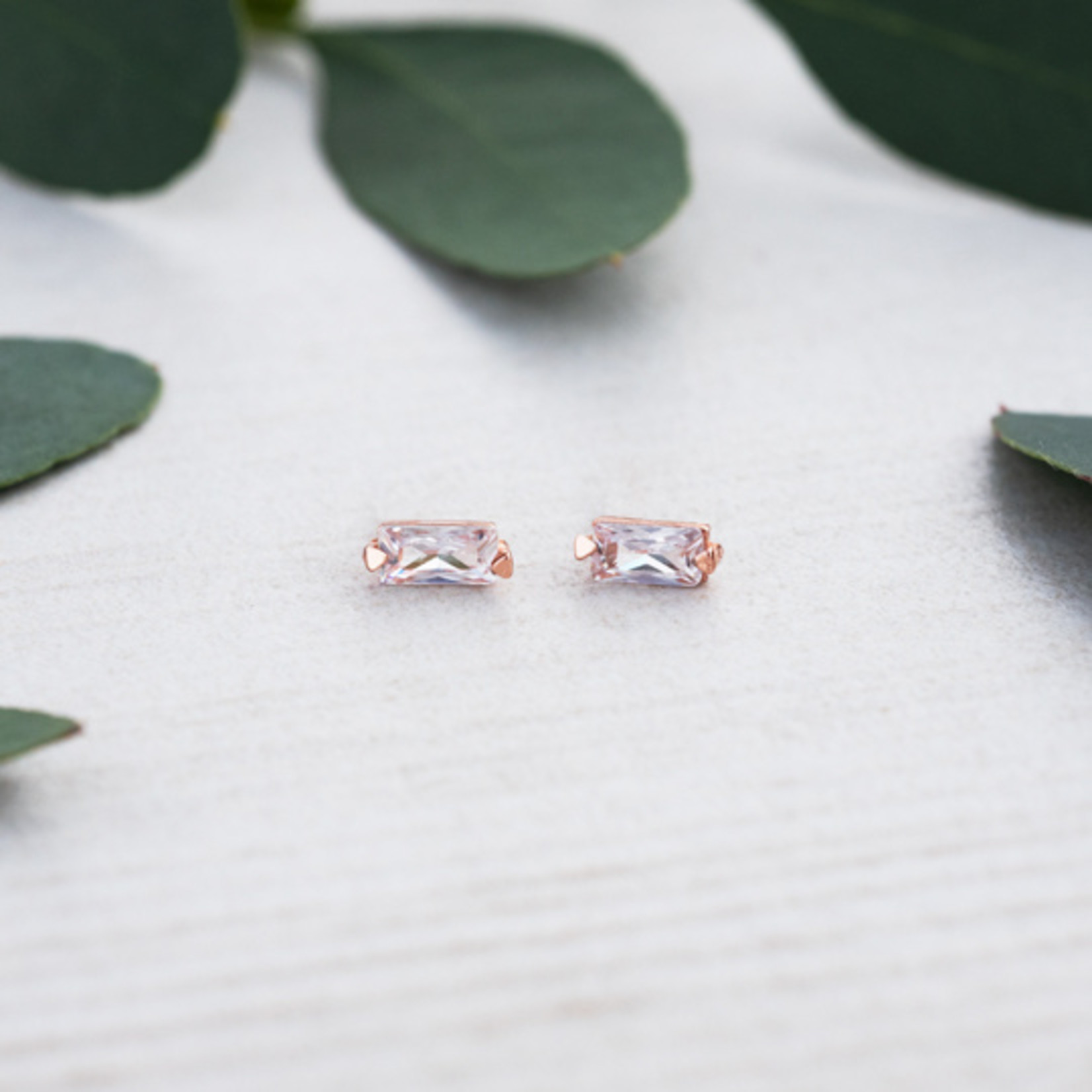 Glee Jewelry ~ Gracious Studs