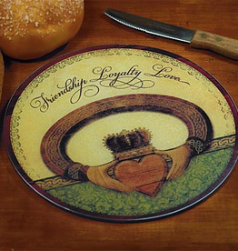 KITCHEN & ACCESSORIES CLADDAGH CUTTING BOARD