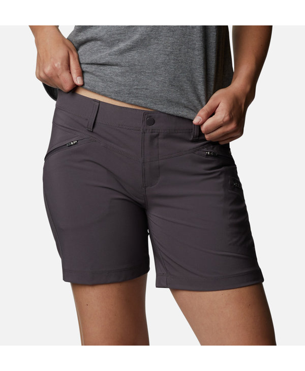 Columbia Women's Peak to Point Shorts 6 IN