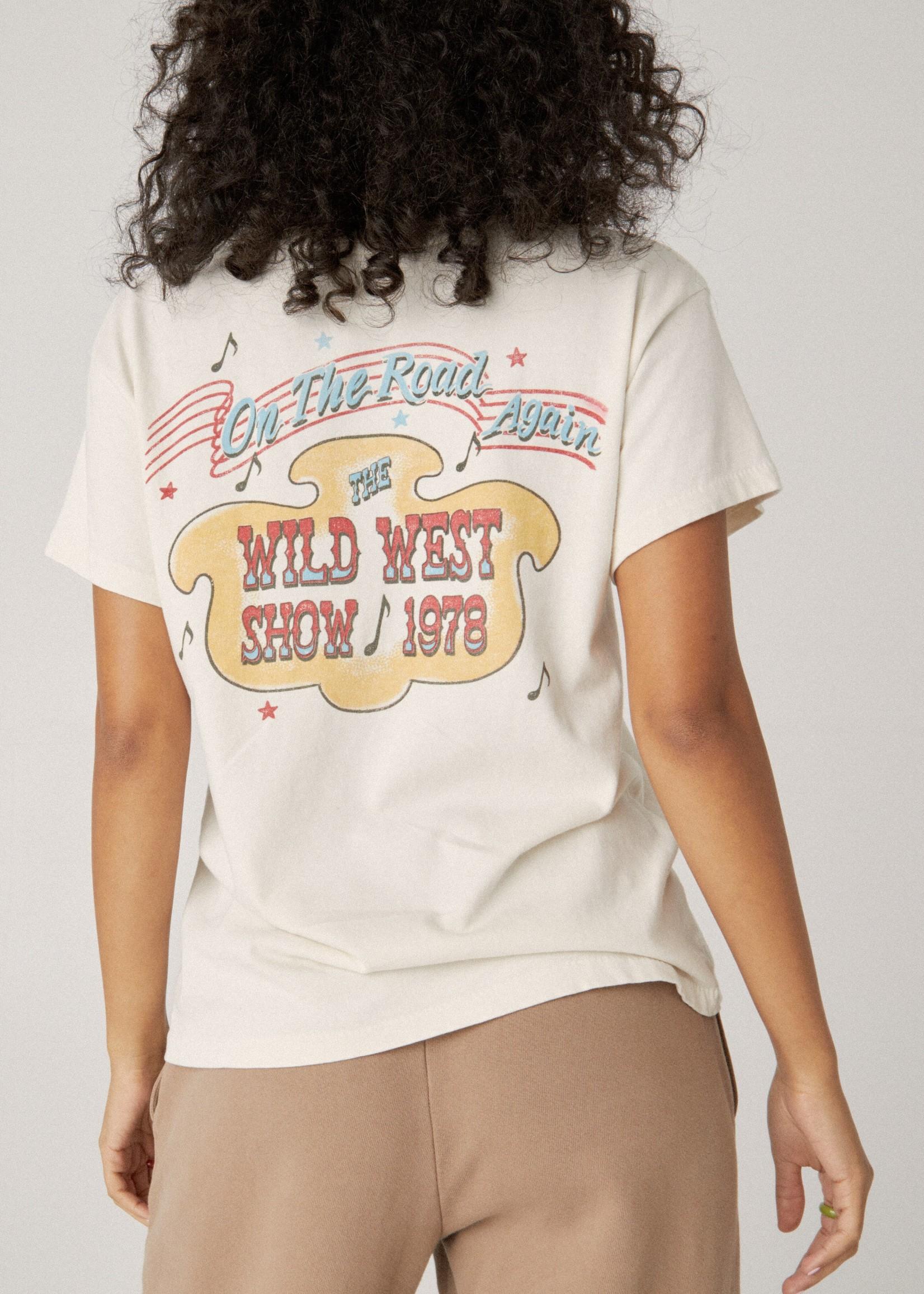 Daydreamer Willie Nelson Wild West Show Tour Tee