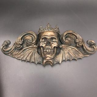 Dellamorte & Co. King Moriendi Wall Plaque in Bronze Finish