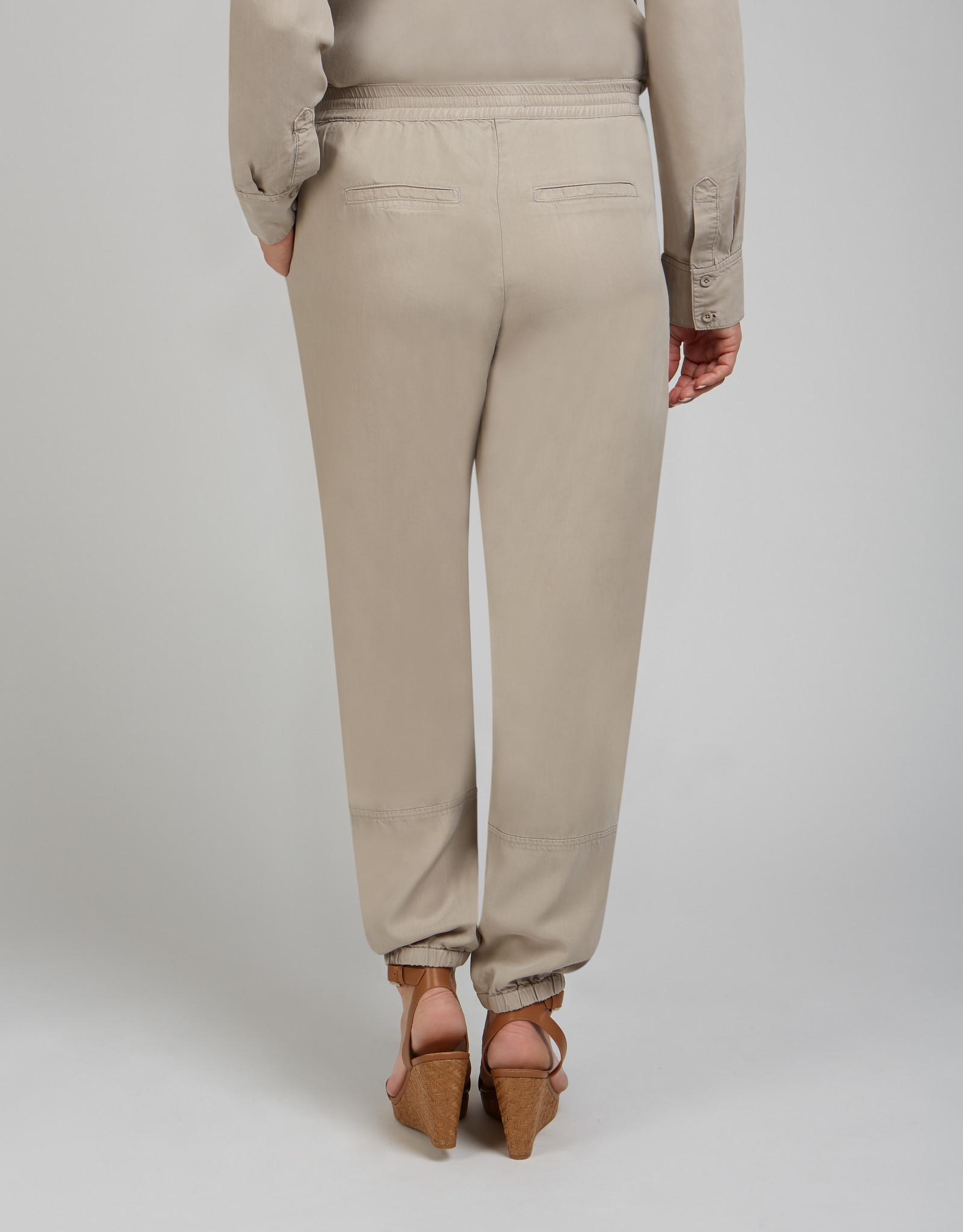 Renuar Renuar R1964 Woven Pant Made with Tencel