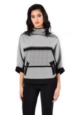 Frank Lyman Printed knit top with bat sleeve 213523