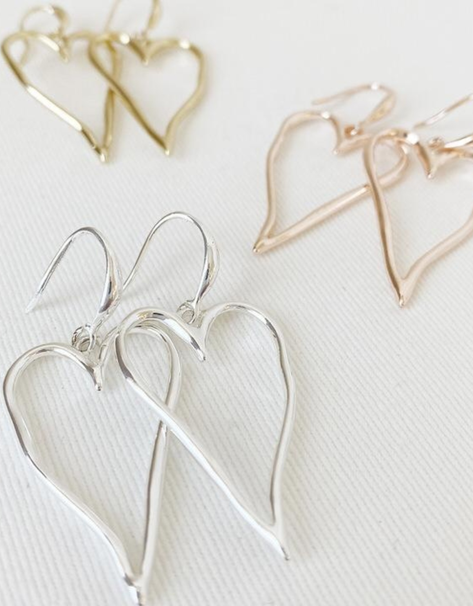 Caracol Caracol 2342 Large Wavy Metallic Heart Drop Earrings