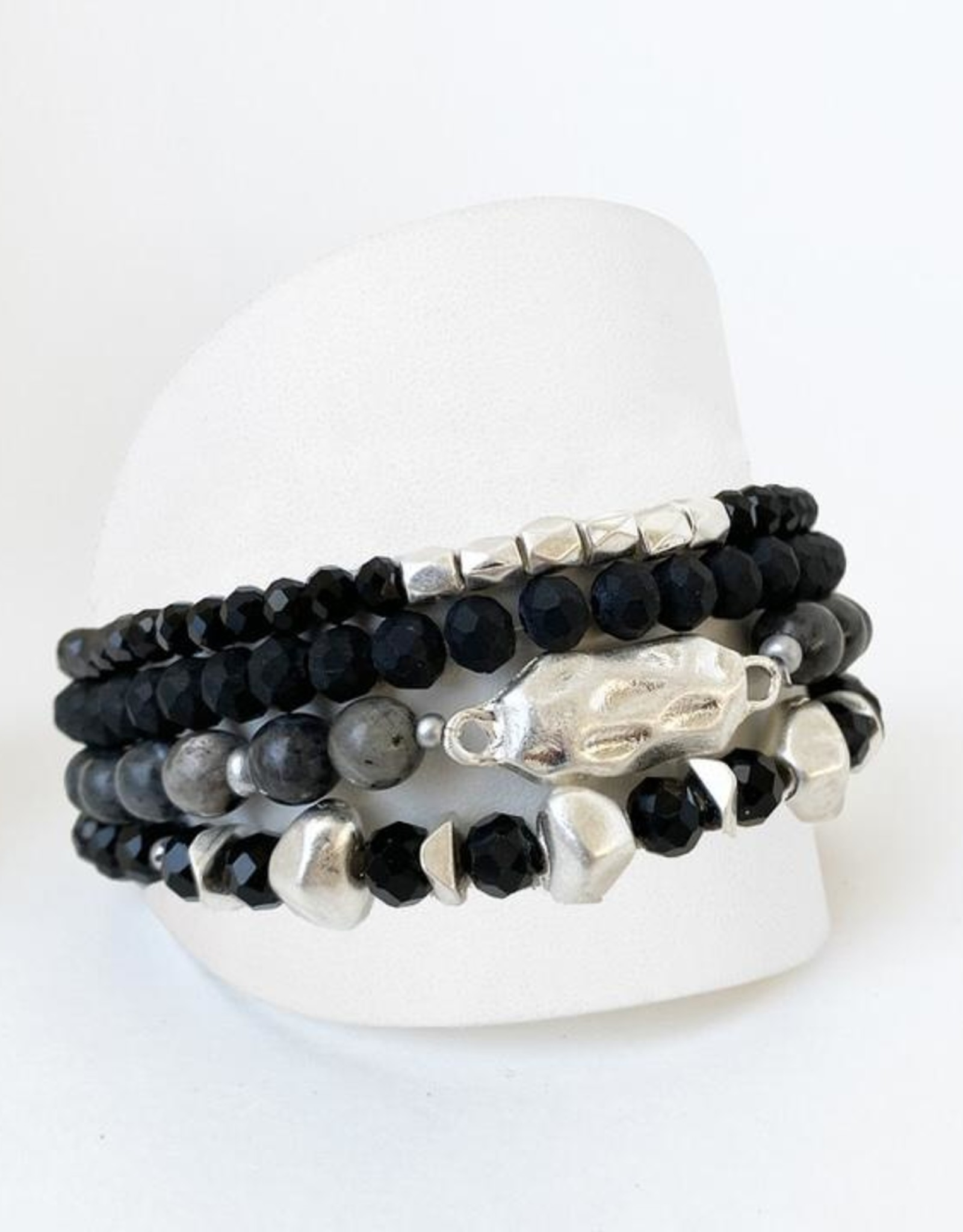 Caracol Caracol 3197 Set of 4 Bracelets with Glass and Metal Beads