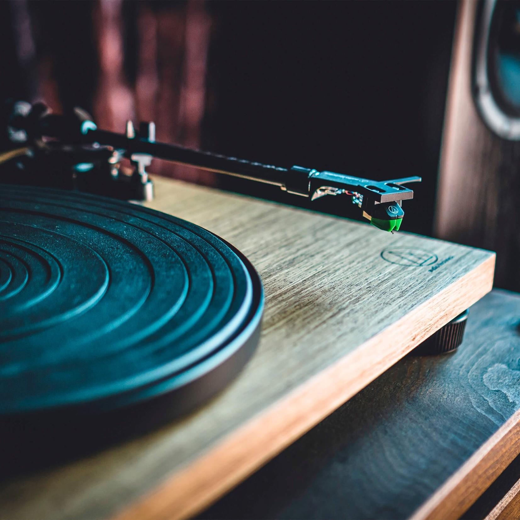 AUDIO-TECHNICA AT-LPW40WN  TURNTABLE