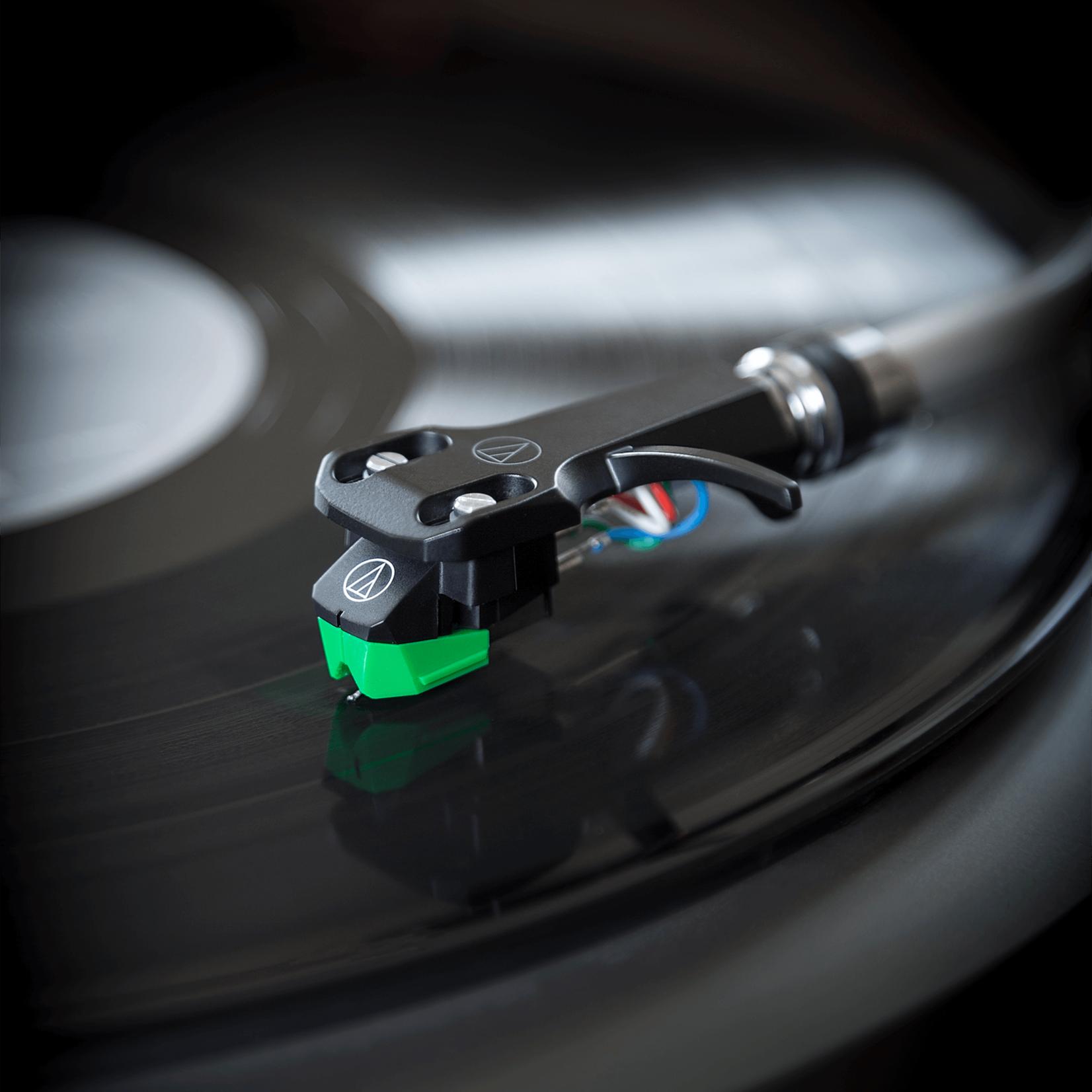 AUDIO-TECHNICA AT-VM95E/H  STEREO CARTRIDGE COMBO KIT