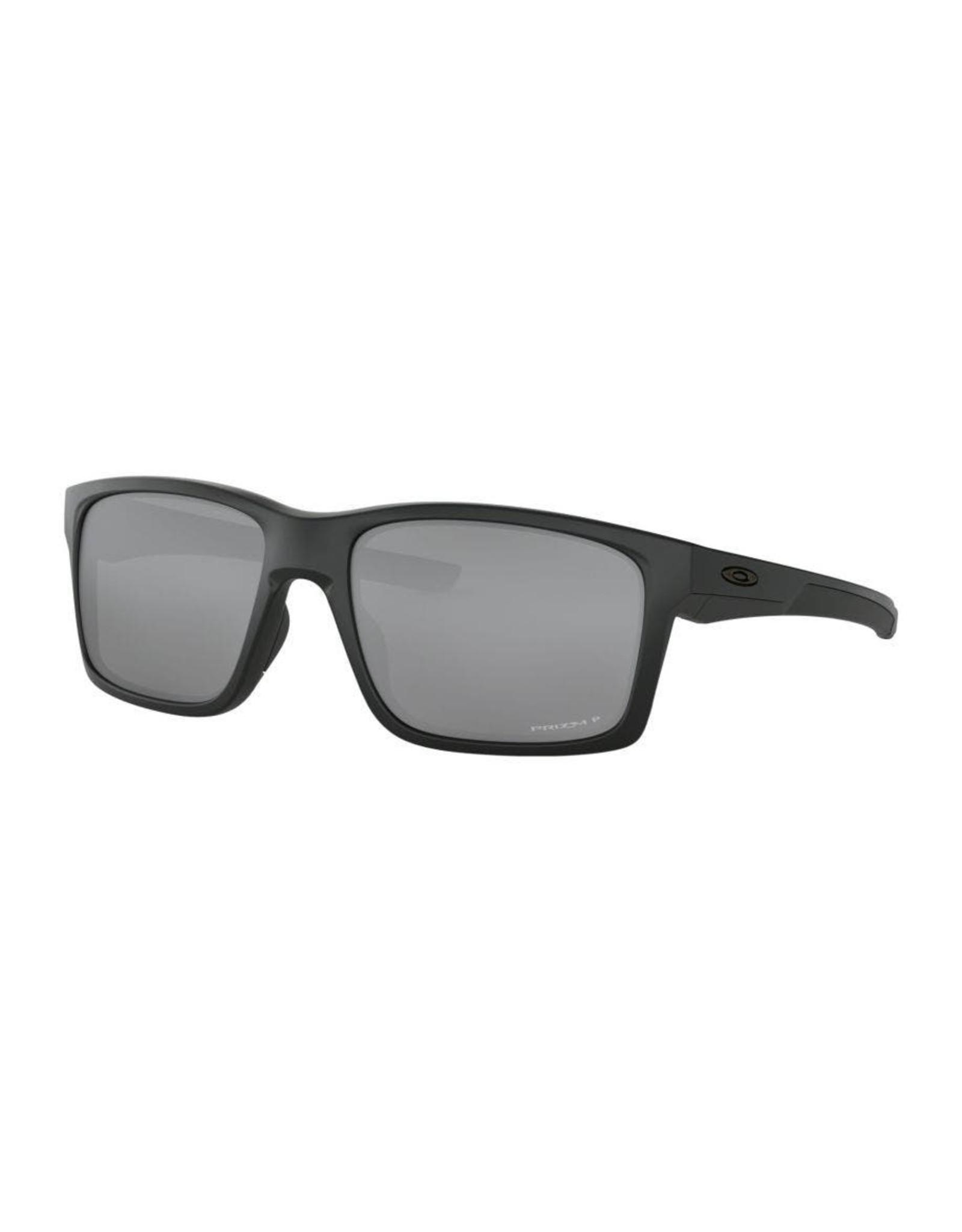 Oakley mens sunglasses MAINLINK matte black w/ prizm black polarized