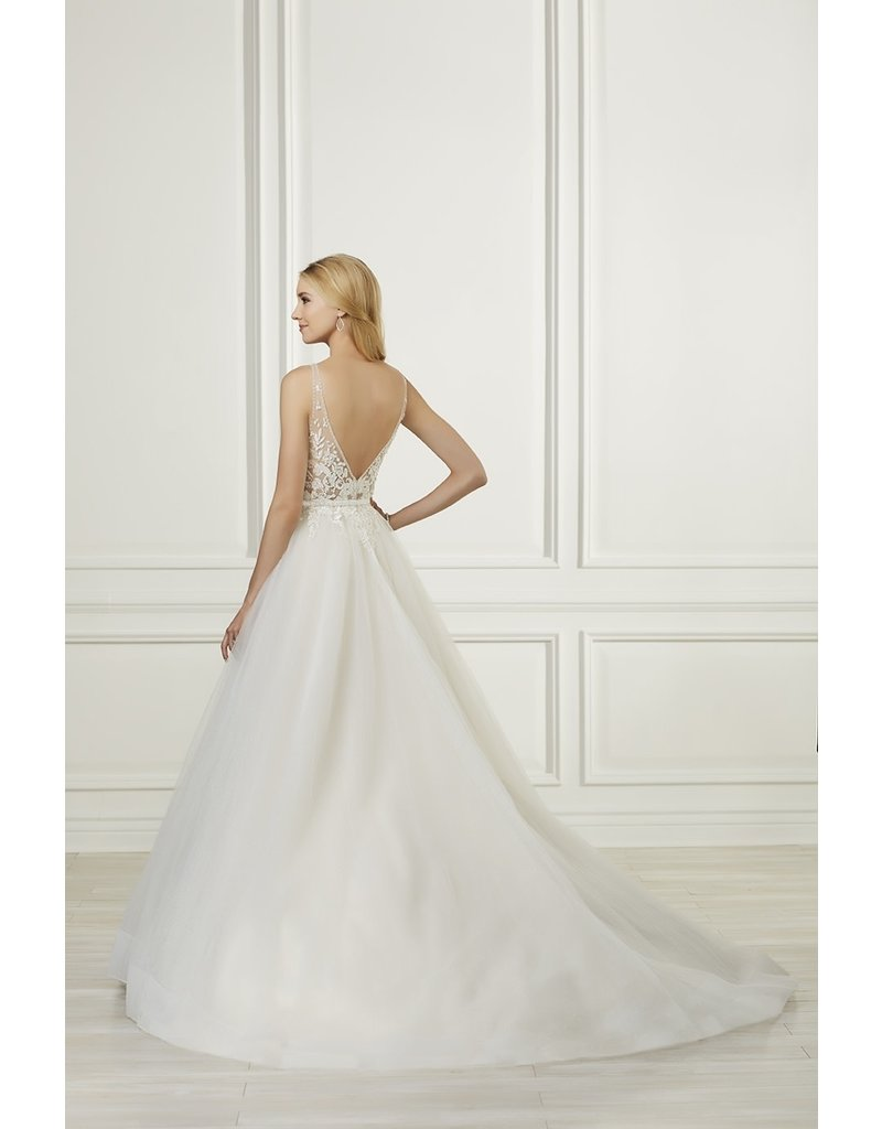ADRIANNA PAPELL PLATINUM 31102 HAND BEADED LACE PLUNGING NECKLINE WEDDING GOWNS IVORY OYSTER SILVER MT: 14
