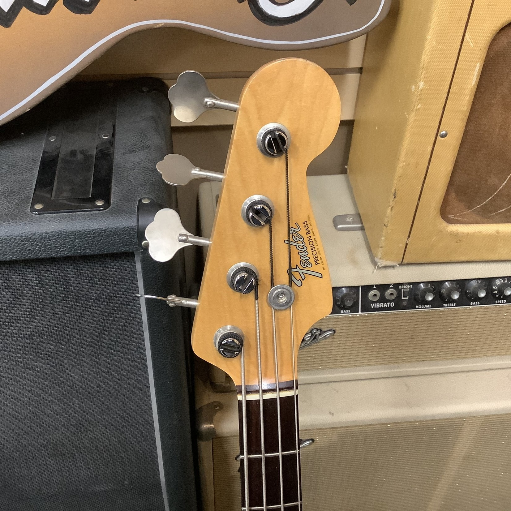 Fender 1966 Fender Precision Bass Lake Placid Blue