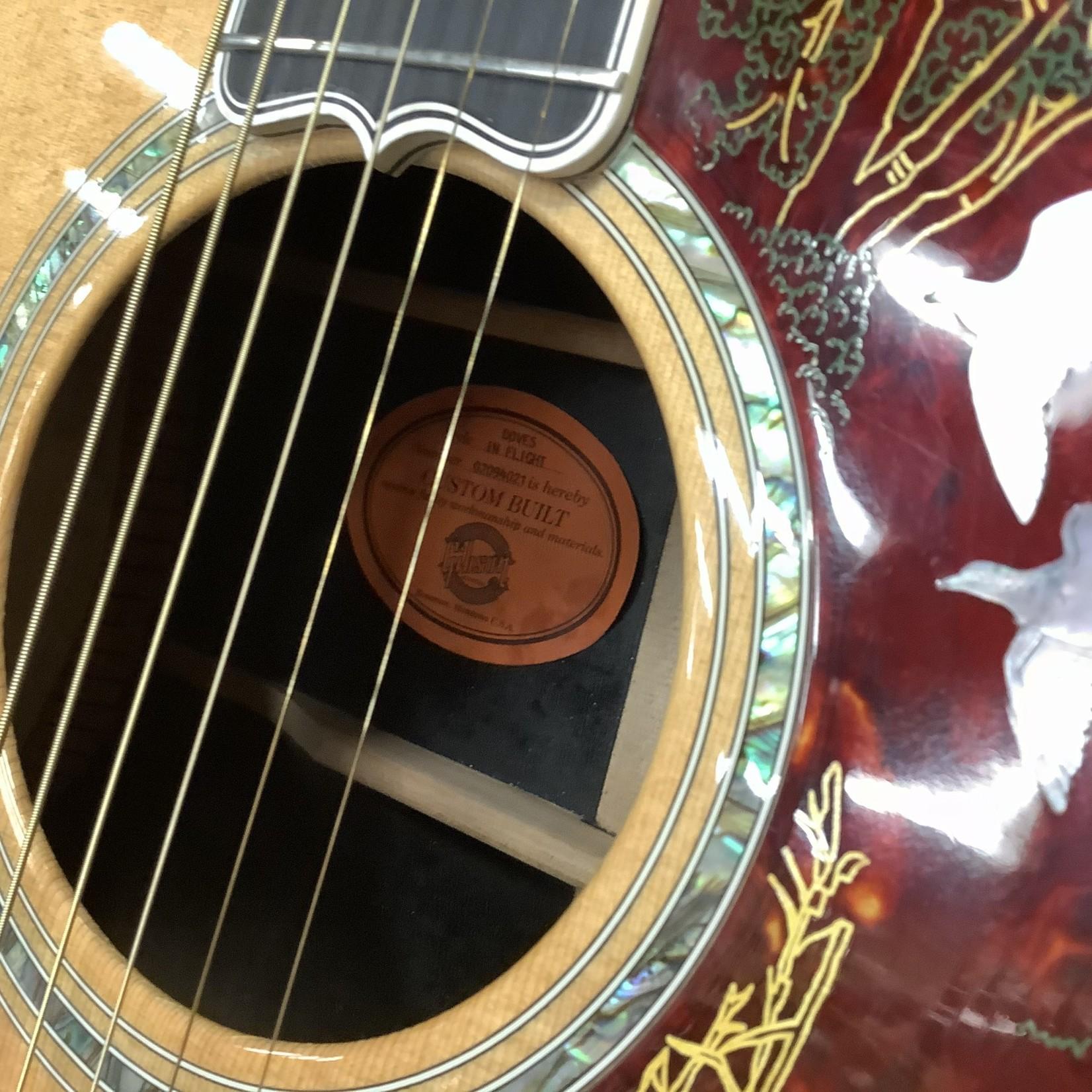 Gibson 2004 Gibson Doves In Flight