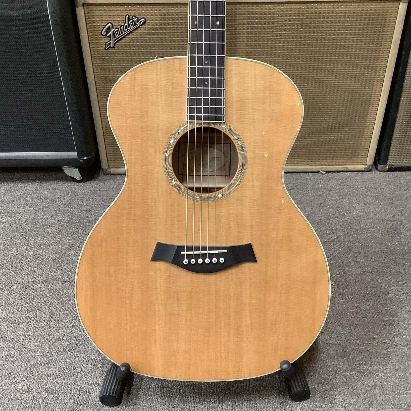 Taylor Taylor GA6 Custom Flamed Maple Back and Sides, Non-Cut Electric