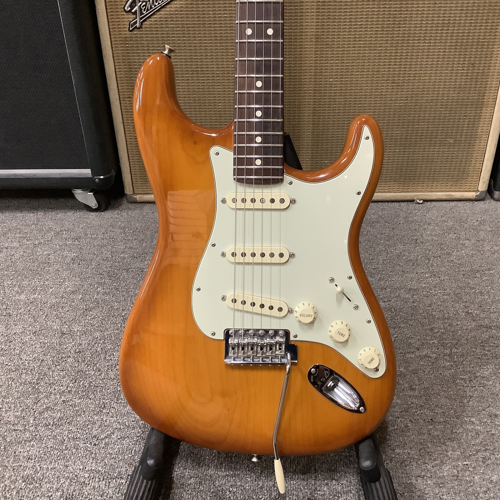 Fender 2019 Fender American Performer Stratocaster Honeyburst