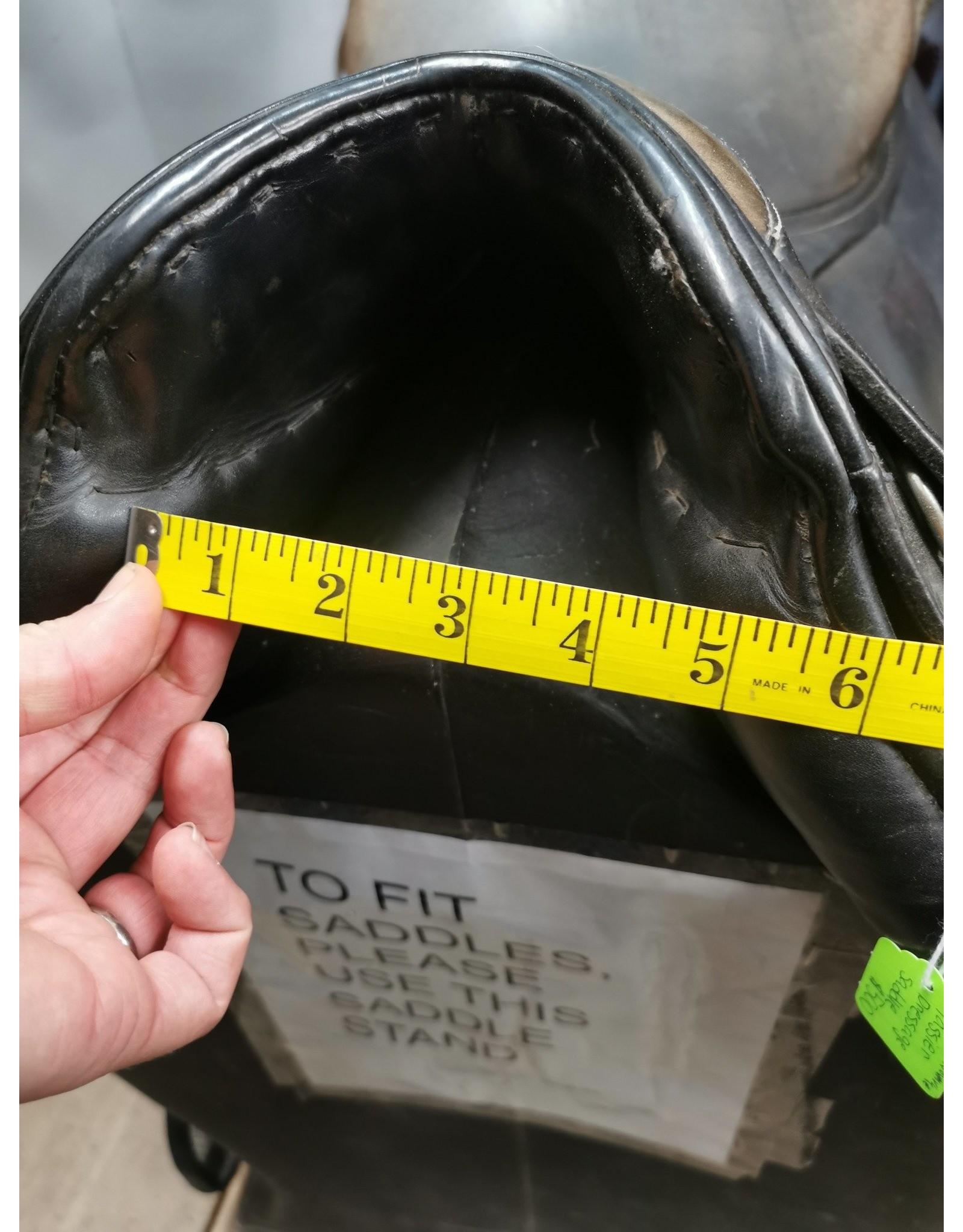 "17.5"" Passier Dressage Saddle w/ Stirrup Leathers & Stirrup Irons"