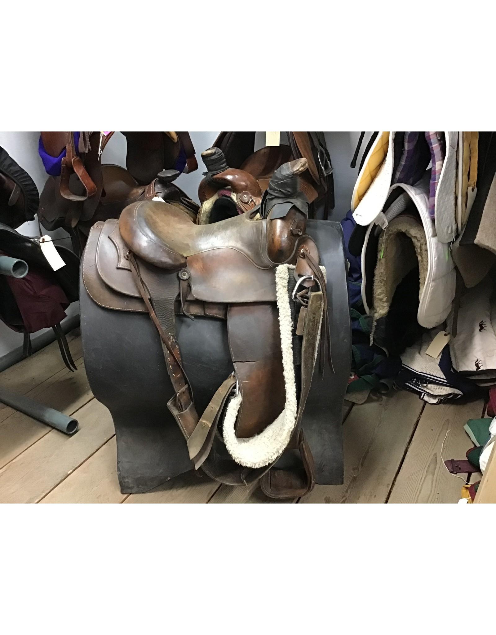"15"" Western Saddle w/ Front & Rear Cinch (ripped fender)"