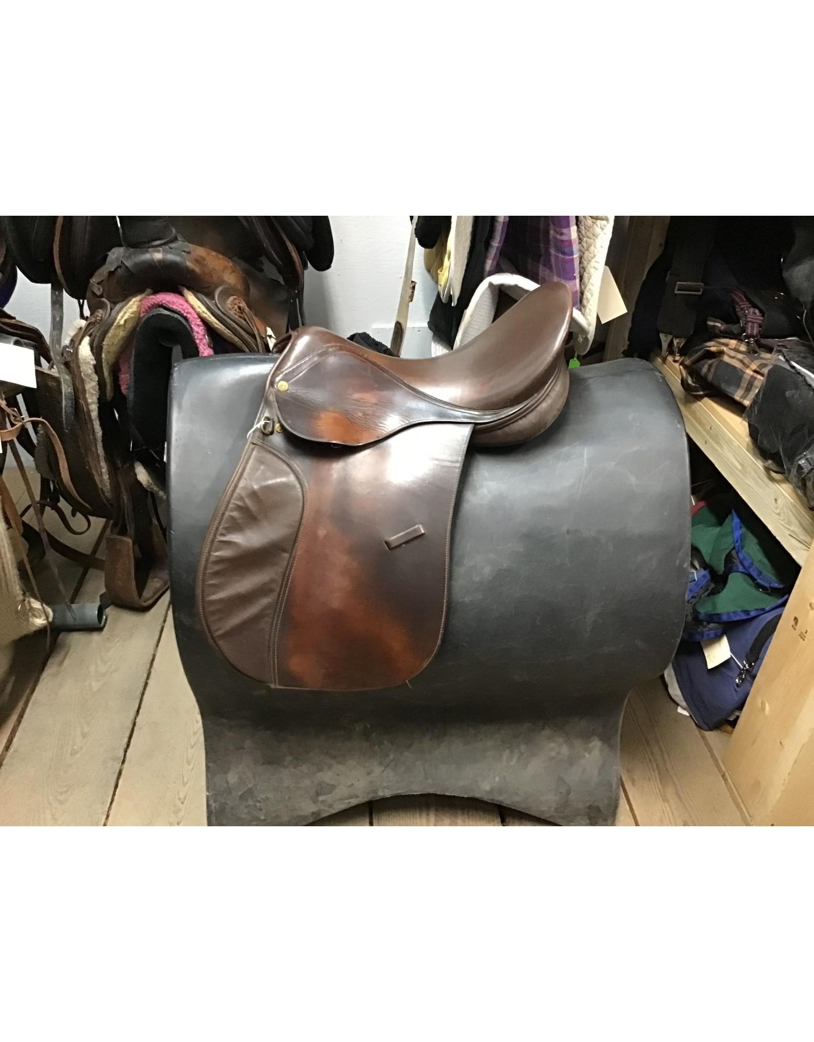 """17.5"""" English Saddle"""