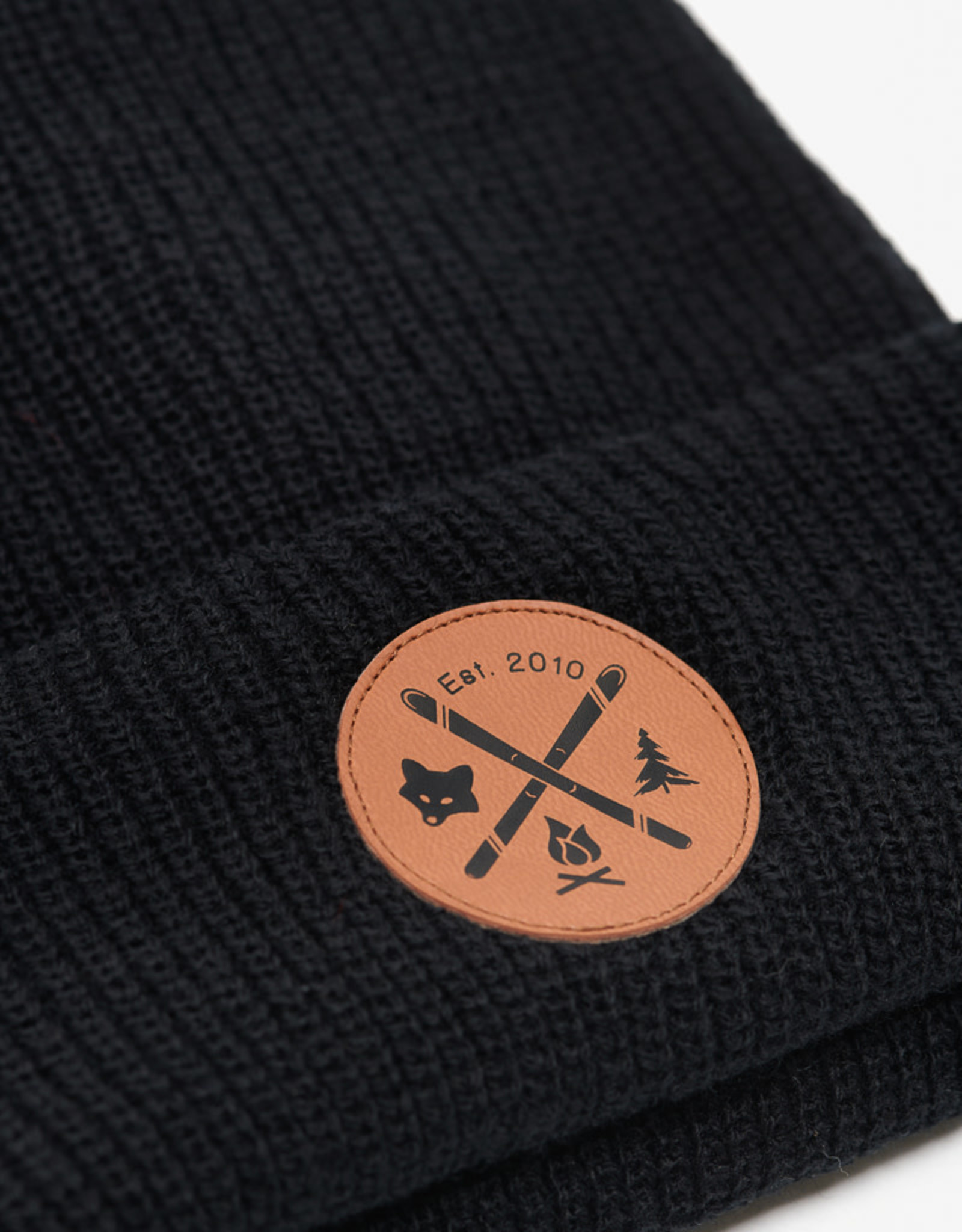 ARSENO Black 100% polyester tuque with printed leather badge