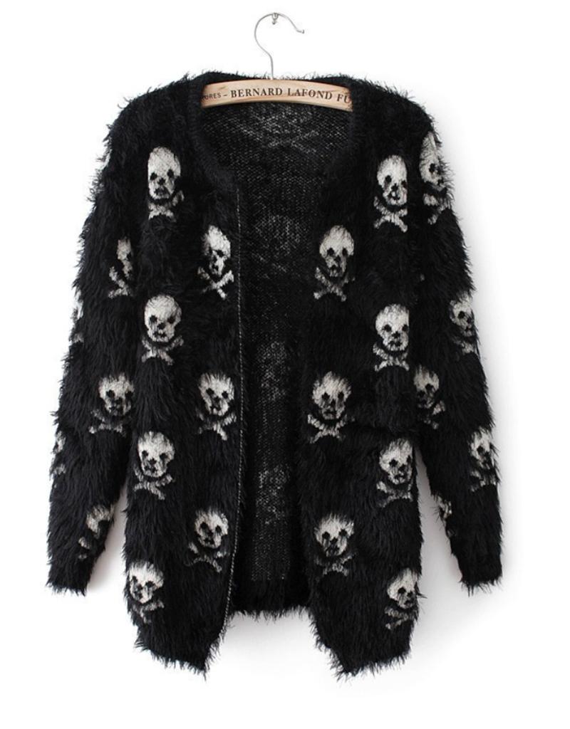 L. Michele 4194 Fuzzy soft Skull Sweater