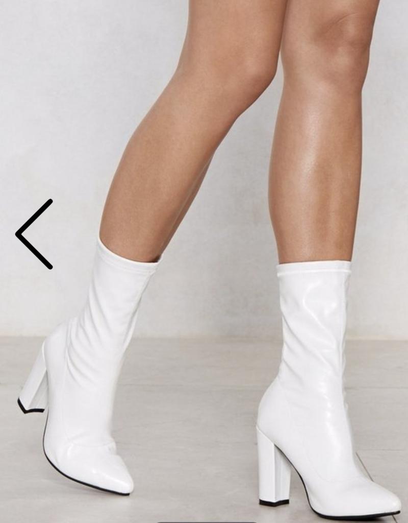 La Pink White Boots SLAY-02