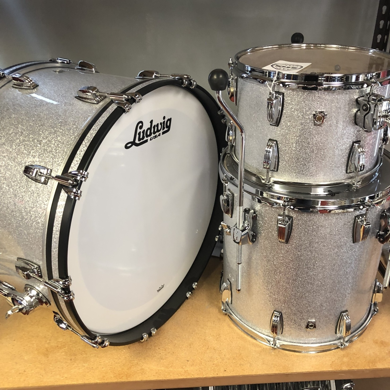 Ludwig LUDWIG CLASSIC OAK PRO BEAT 3-PC SHELL PACK 13/16/24 (SILVER SPARKLE)