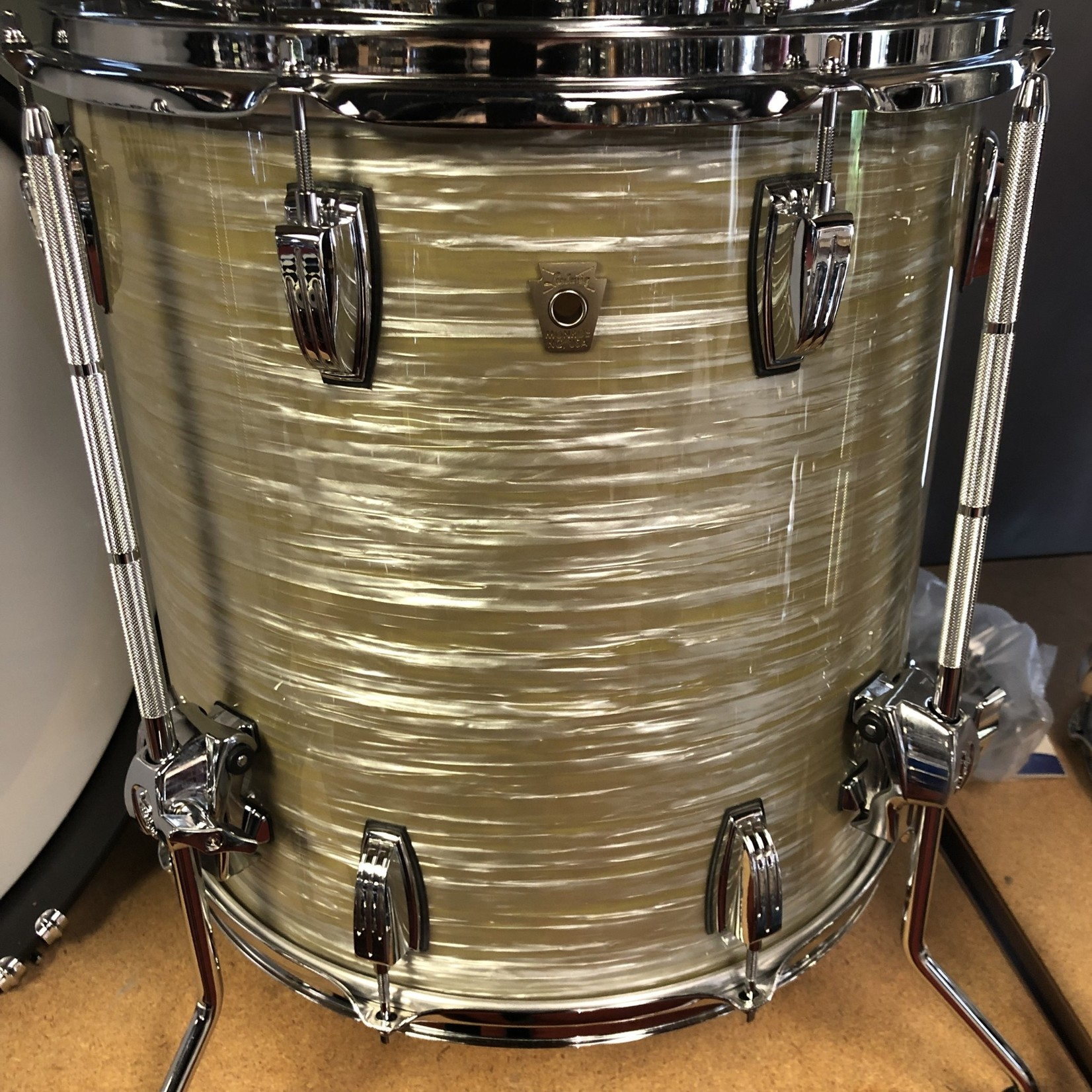 Ludwig LUDWIG CLASSIC MAPLE  FAB 3-PC SHELL PACK 13/16/22 (OLIVE OYSTER)