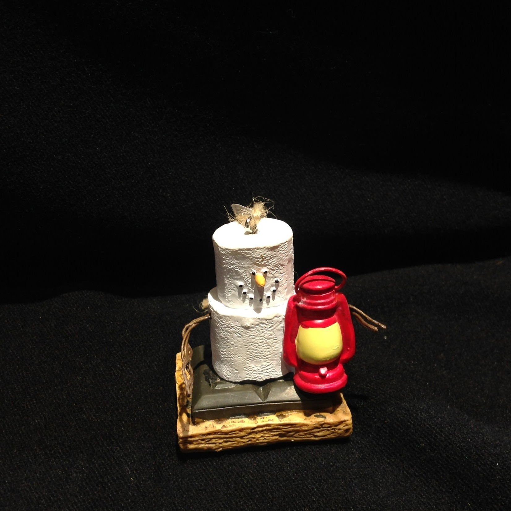 **S'More with Lantern