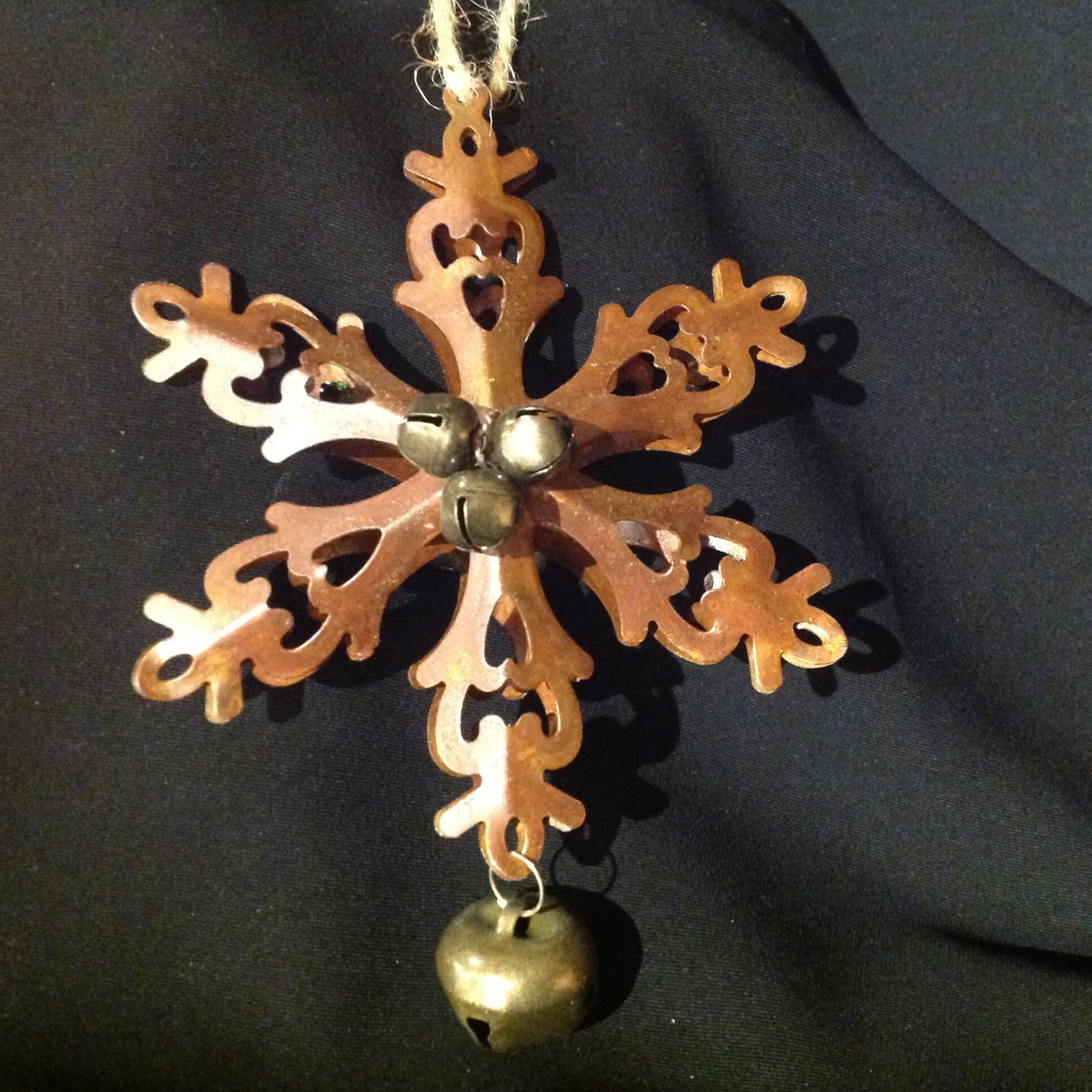 **Bronze Snowflake w/Bell