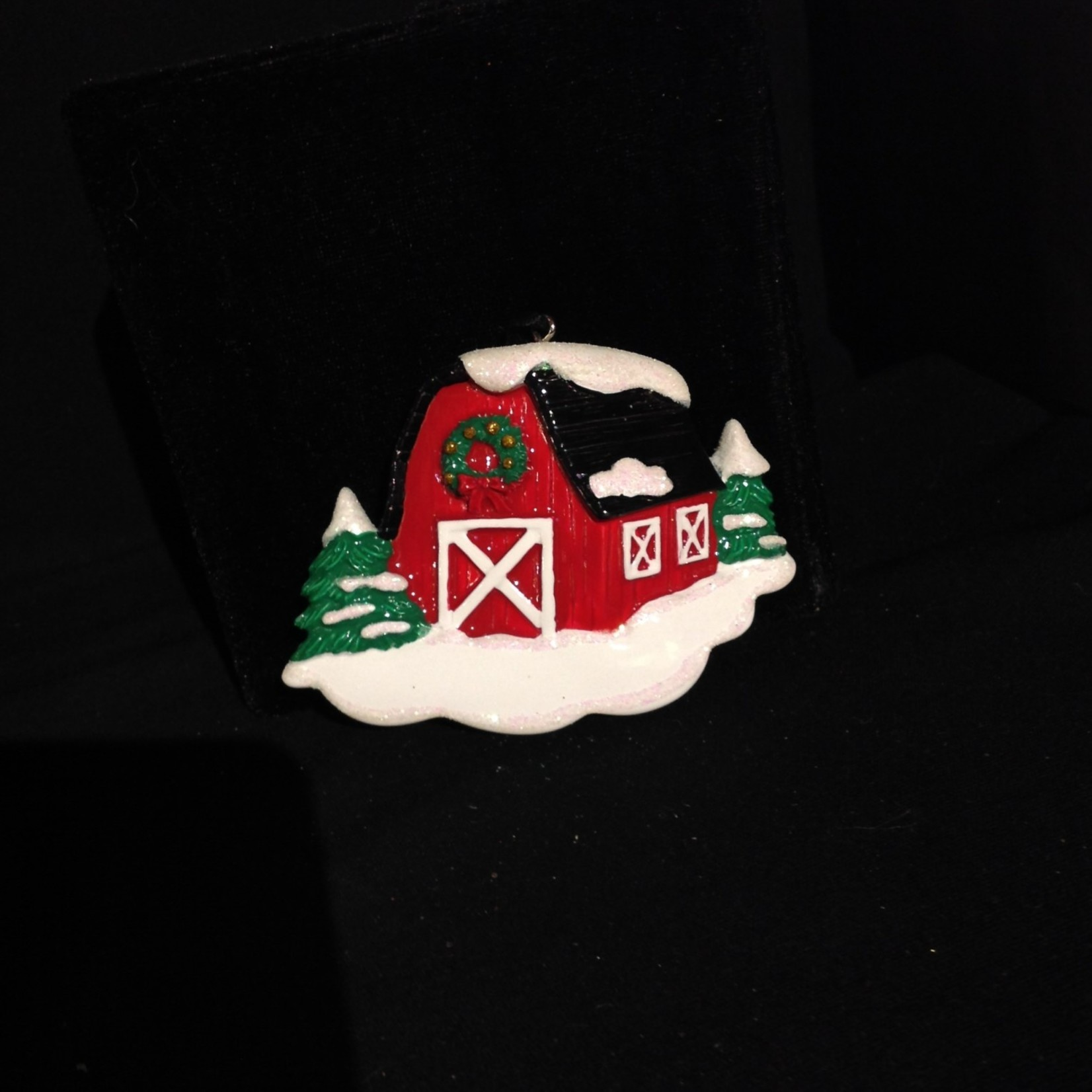 **Personalized Barn Ormament