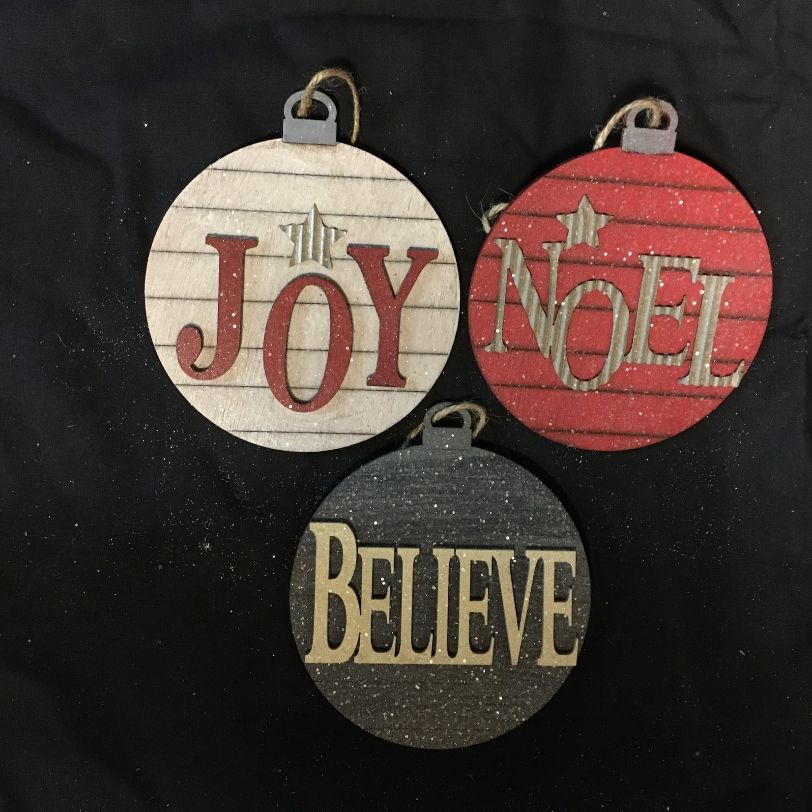 **Round Noel/Joy/Believe Orn 3A