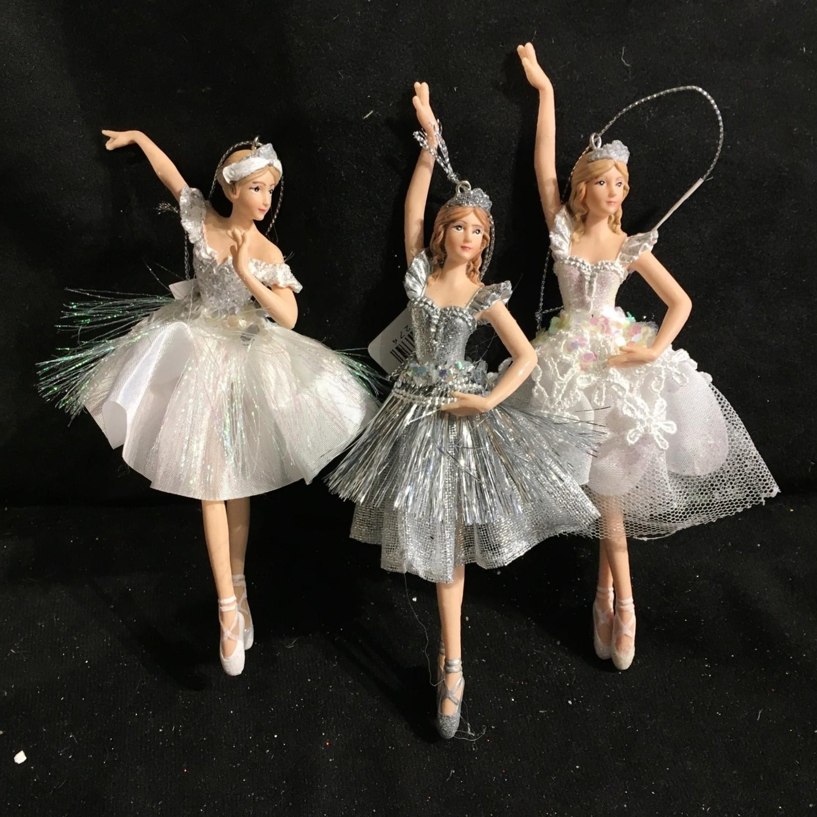 Silver/White Ballet Orn 3A