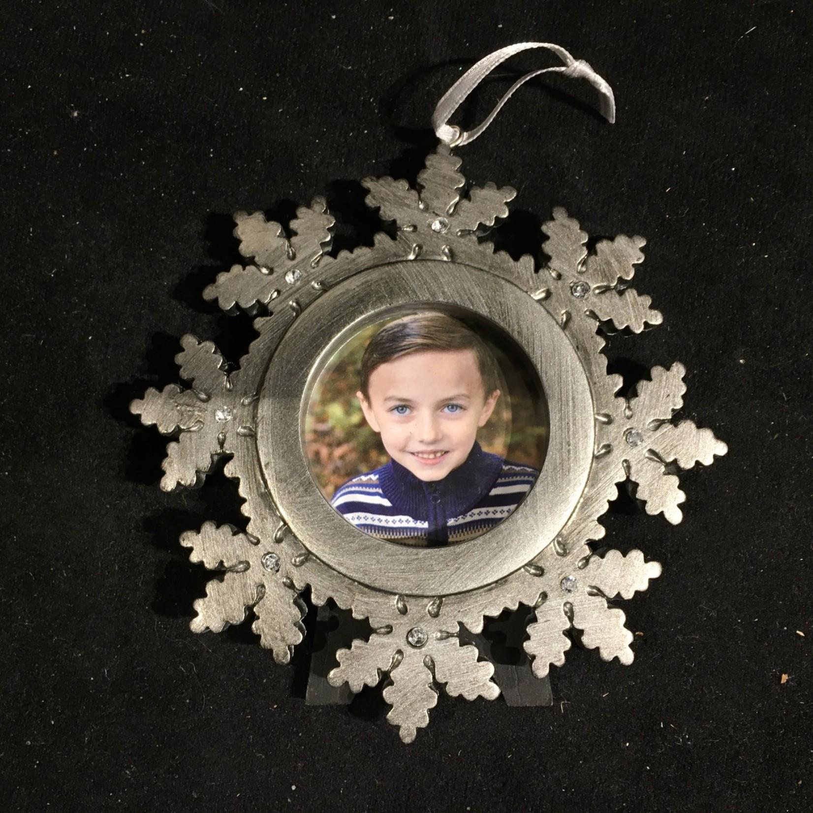 **Pewter Look Snowflake Photo Frame Orn