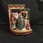 "6.5x8.75"" Musical Santa at Door"