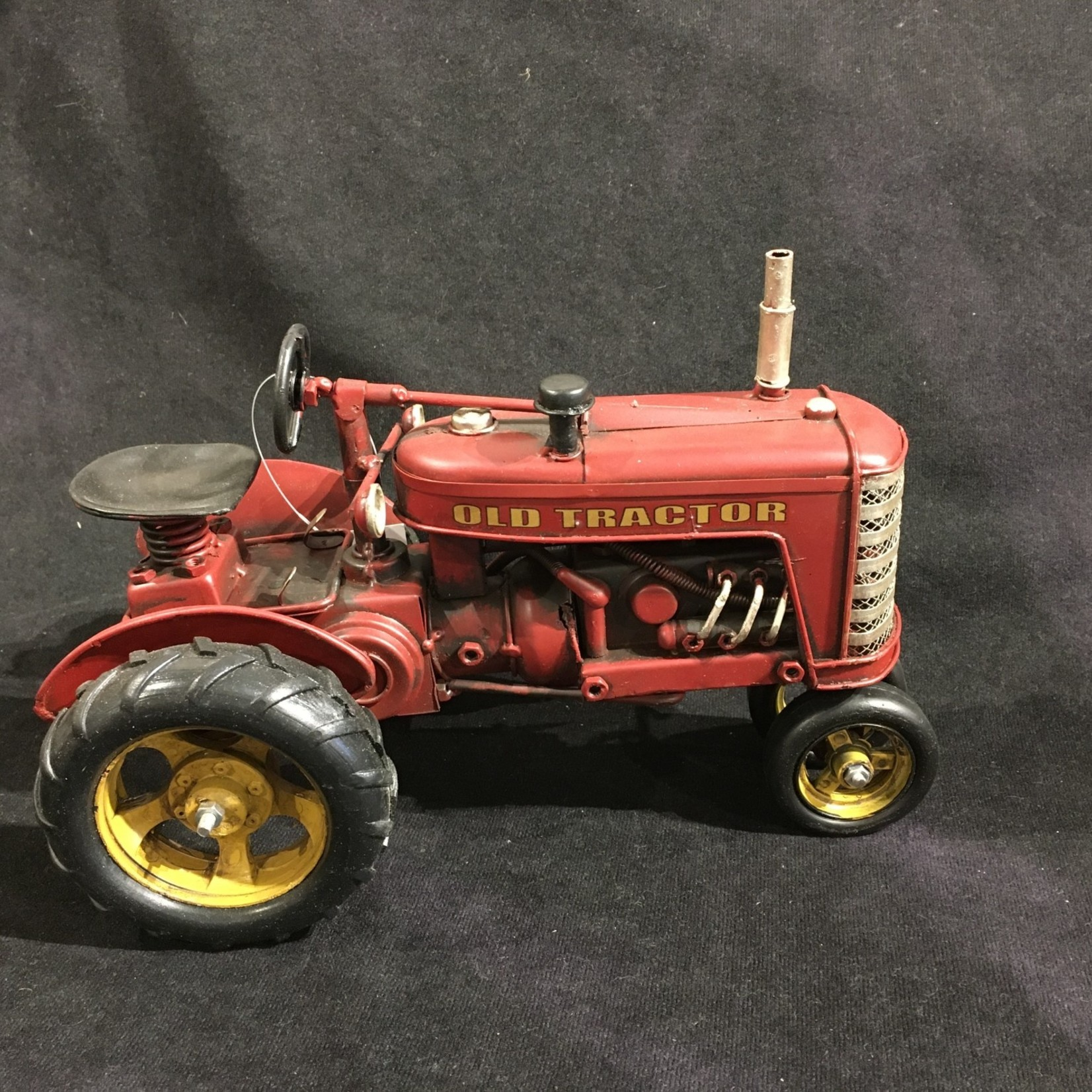 """10""""x7"""" Red Metal Tractor"""