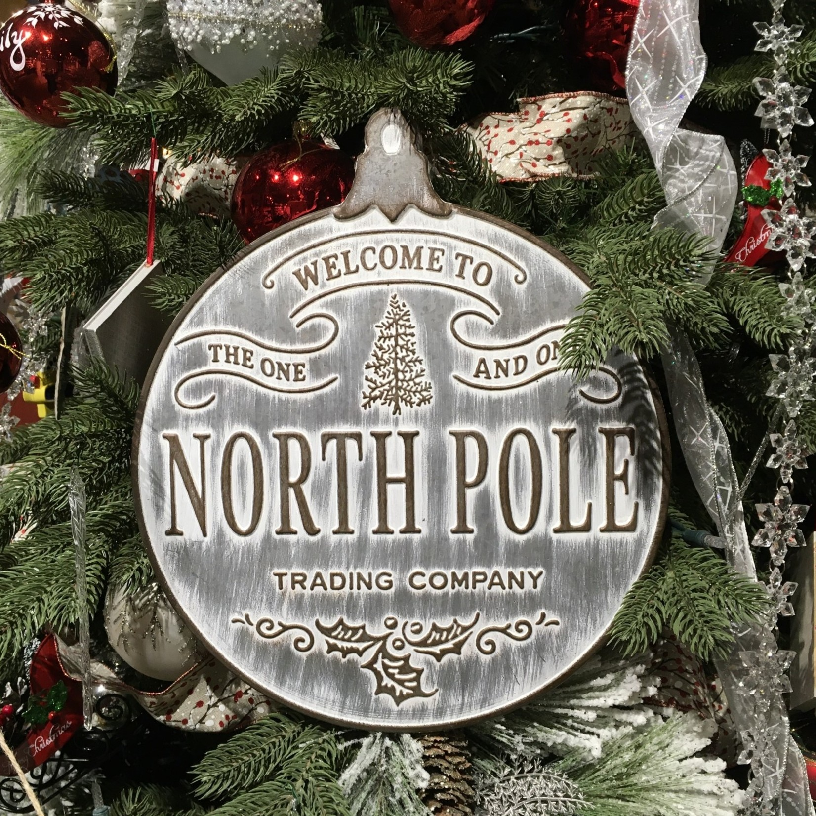 "**14.5"" Metal North Pole Wall Piece"