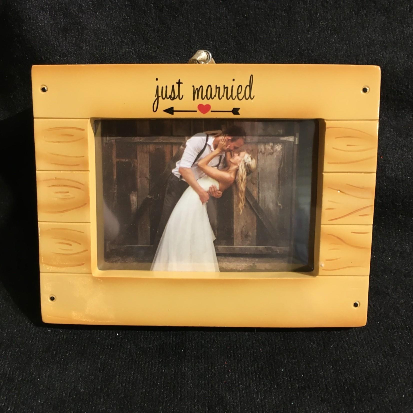 """**Rustic Wedding Frame Orn (3x2"""" photo)"""