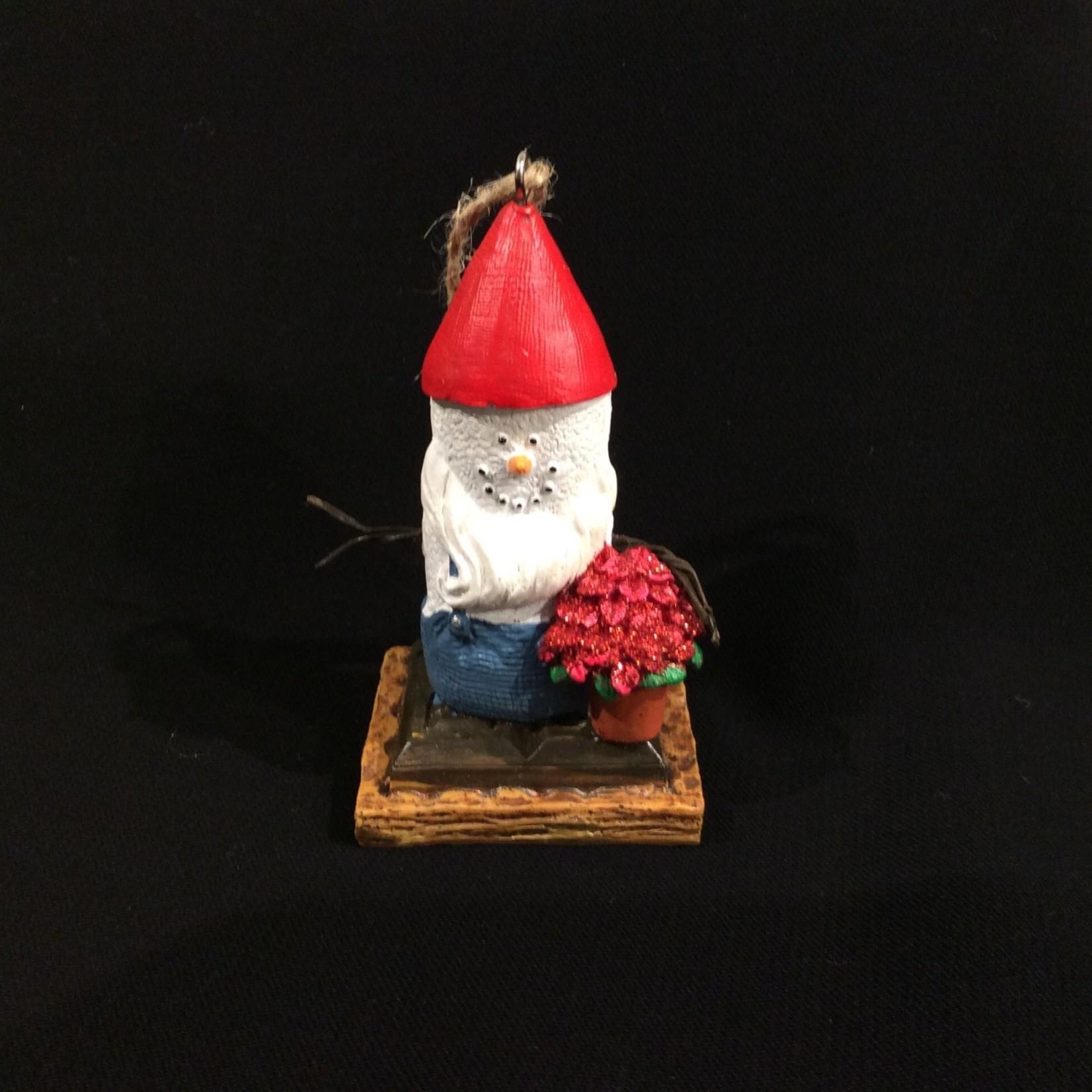 S'Mores Gnome w/Poinsettia