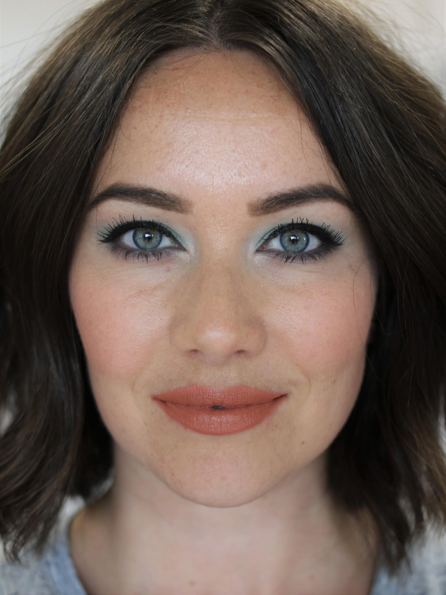 Petal Perfect Lipstick - Discrete (Matte)-4