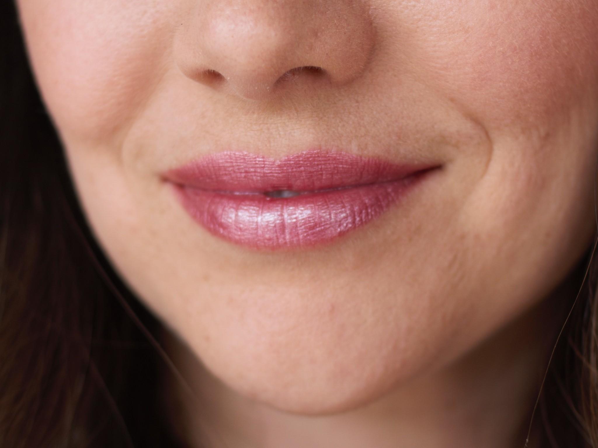 Glisten Mineral Lip Gloss - Pink Quartz-3