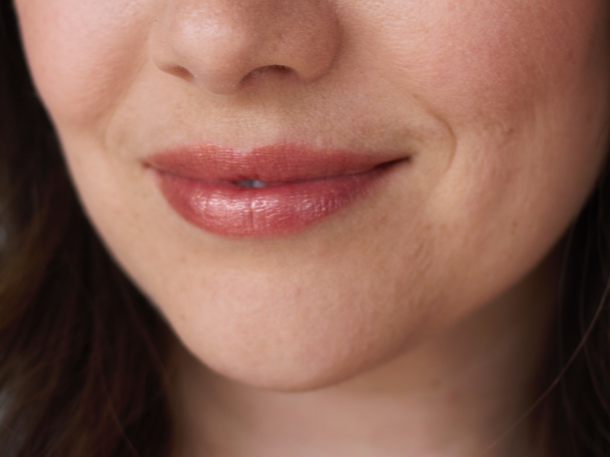 Glisten Mineral Lip Gloss - Rose Gold-3