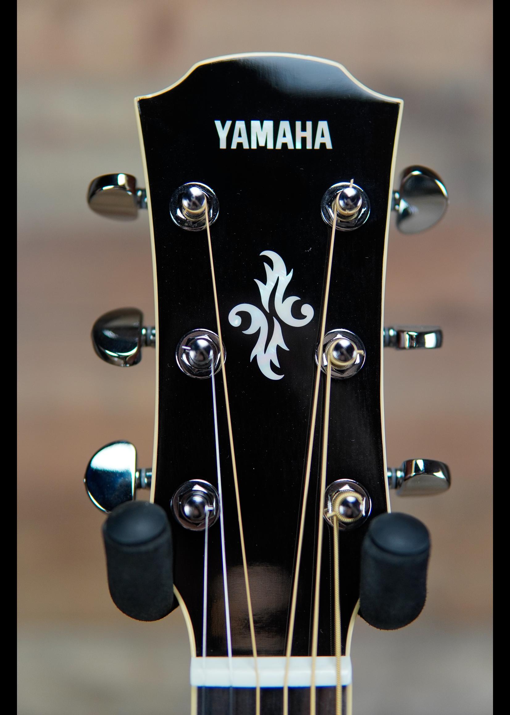 Yamaha Yamaha APX 700 IIL