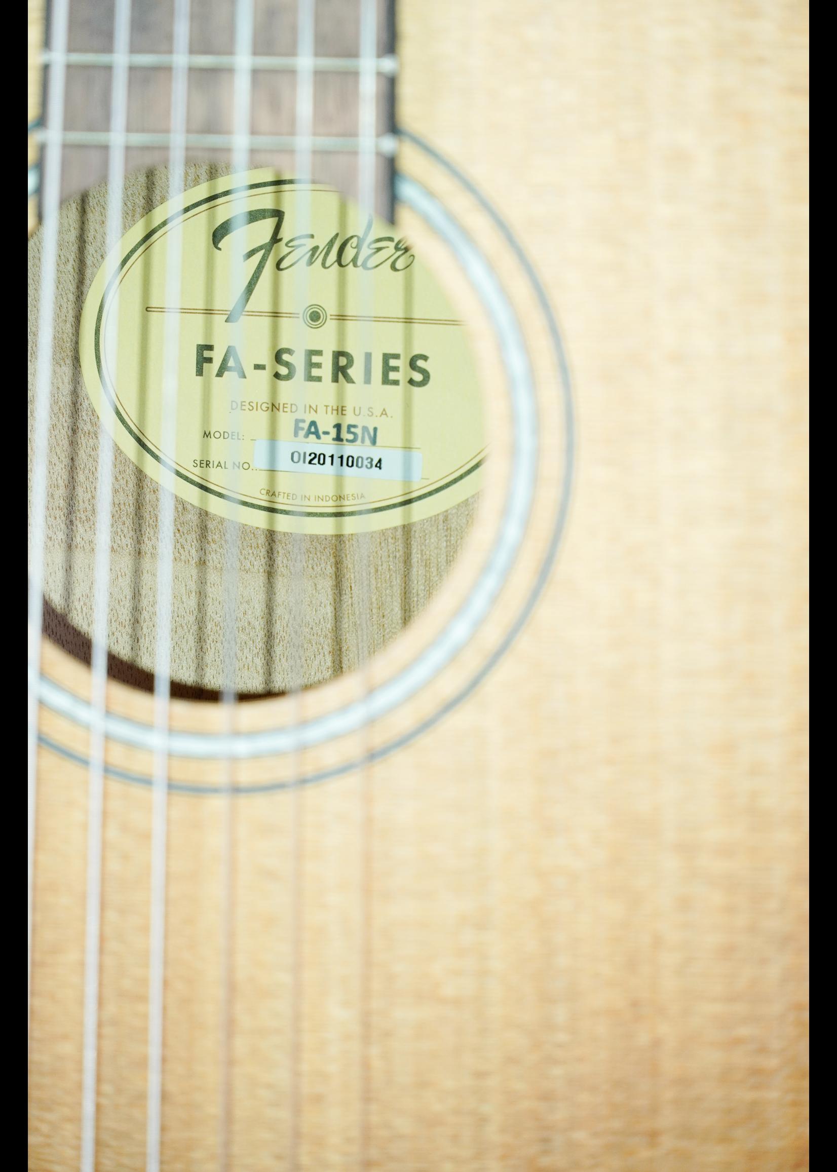 Fender Fender  FA-15N 3/4 Nylon w/ Gig Bag Natural