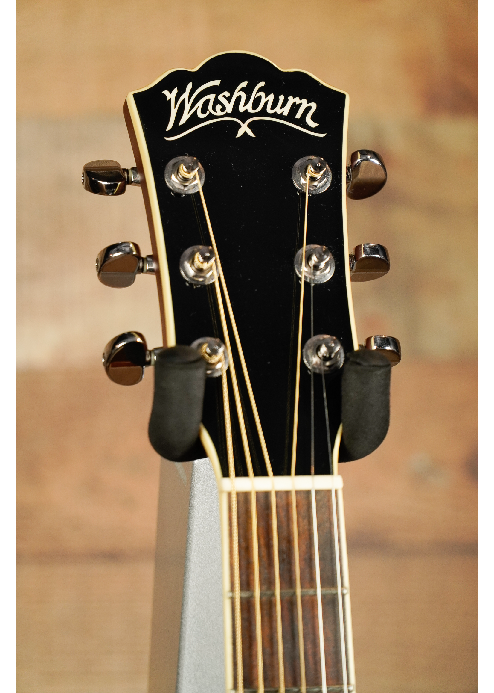 washburn Washburn WCD 18 CE *USED* Excellent Condition