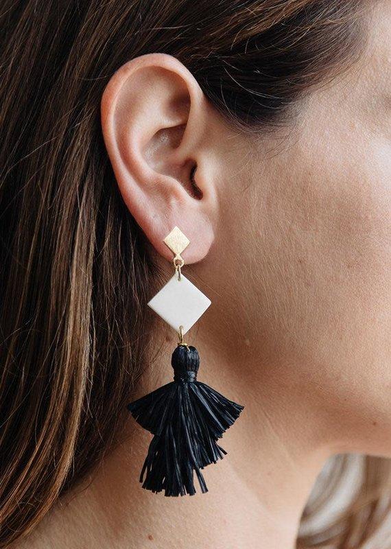 Mata Traders Abbey Black Earrings