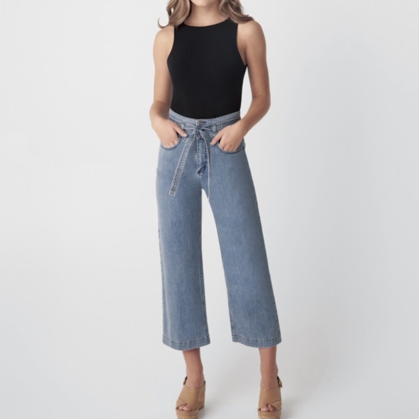 Silver Jeans Co. Belted Crop