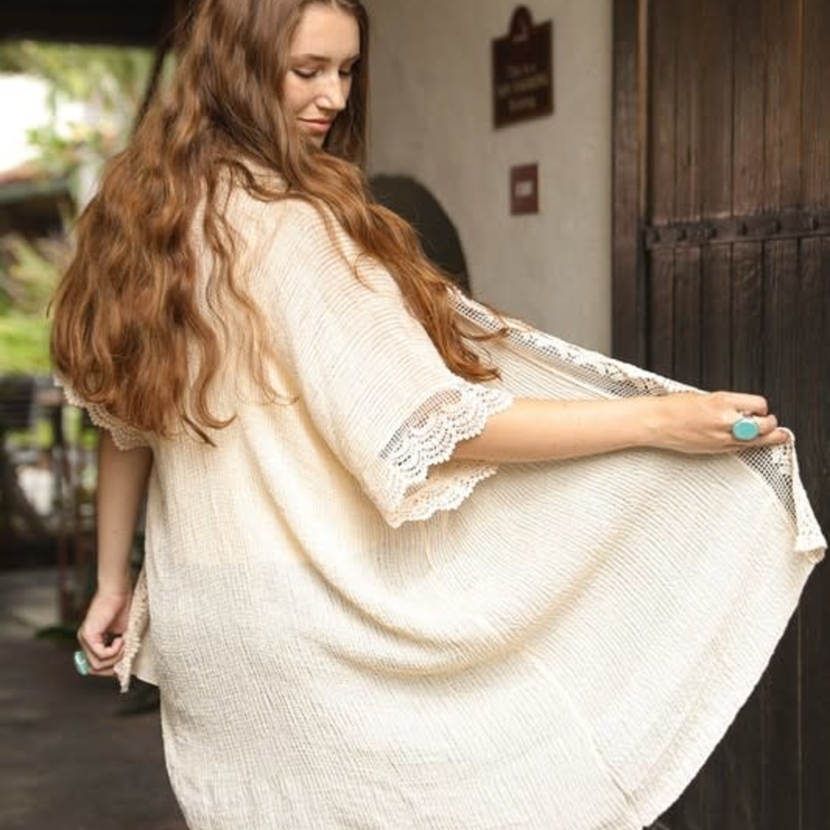 leto Scallop Lace Trim Kimono w/ Armholes