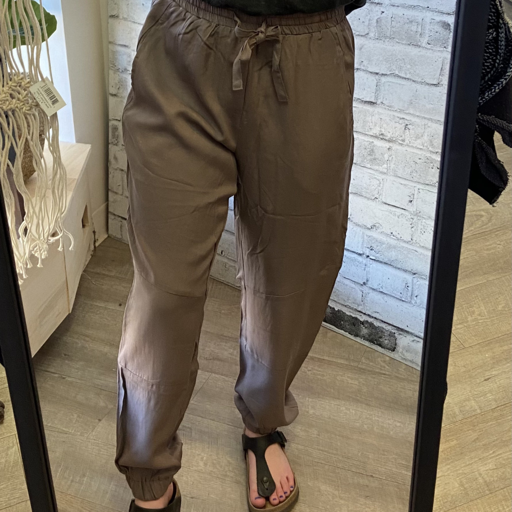 DKR & Company Drawstring Pants with Pockets CH-700