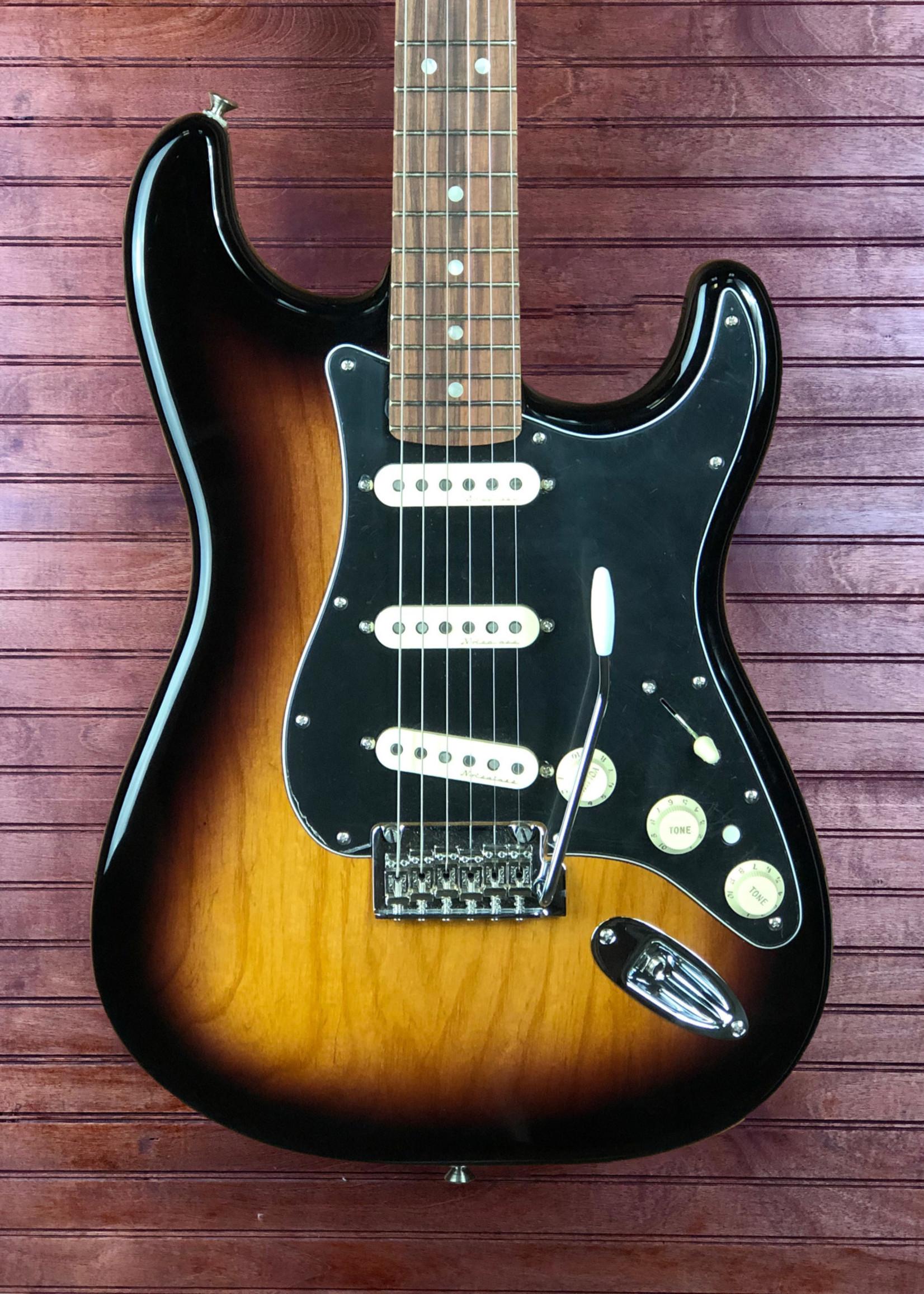 Fender Deluxe Stratocaster Sunburst