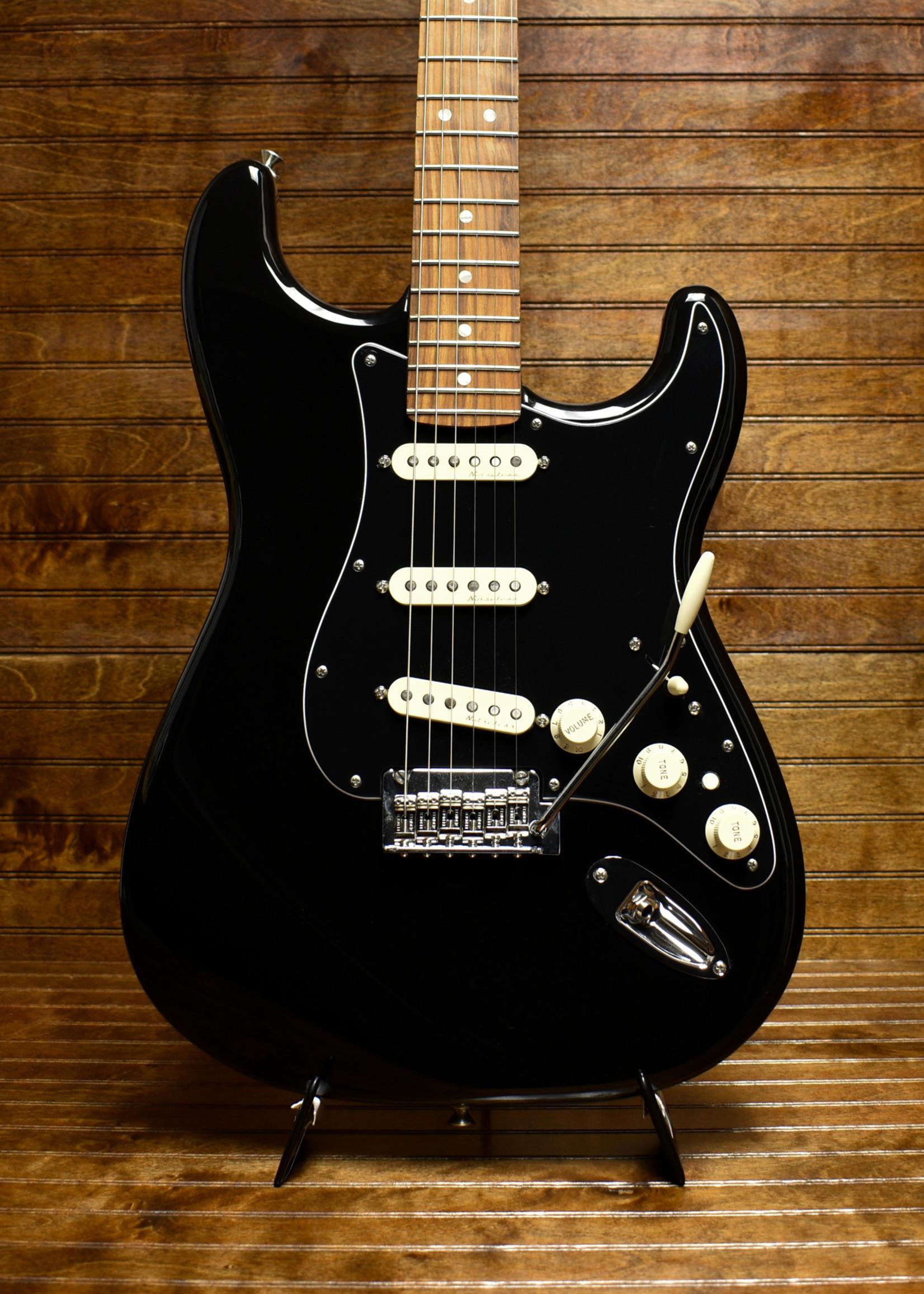 Fender Fender Deluxe Stratocaster Black
